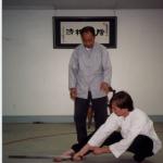 Meister Wang Yen-Nien õpetaja Scott Rodelli8le mõõgavormi õpetamas