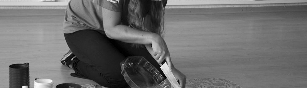 Anne lõikab hooaja avamise puhul torti lahti